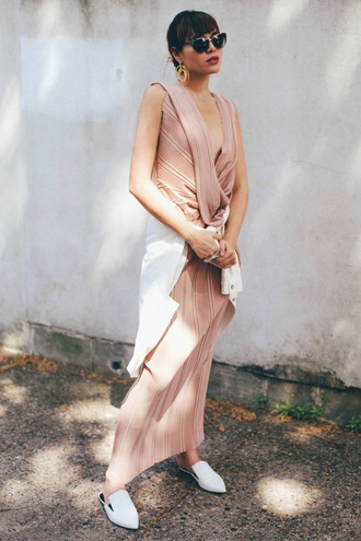 natalie off duty blogger sunglasses dress jacket shoes jewels tumblr pink dress sleeveless sleeveless dress maxi dress long dress white jacket earrings spring outfits