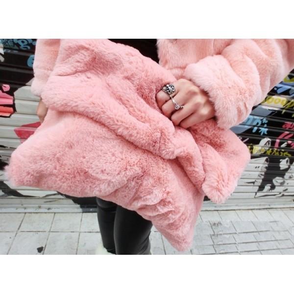 Big blush cozzy clutch