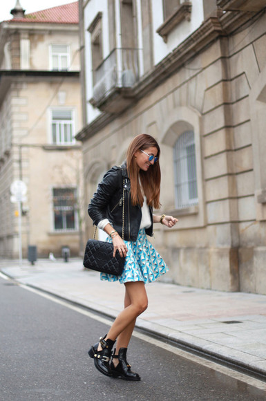 geometric blogger jewels sunglasses b a r t a b a c bag cut out ankle boots skater skirt light blue leather jacket