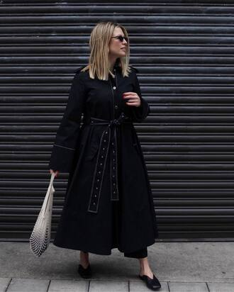 coat black coat long coat bag white bag shoes black shoes small sunglasses trench coat black trench coat