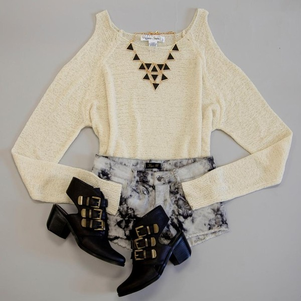 shirt sweater white cream no sleeves shoes buckles black necklace jewelry accessories gold triangle shorts boots pretty outfit acid wash tie dye jewels