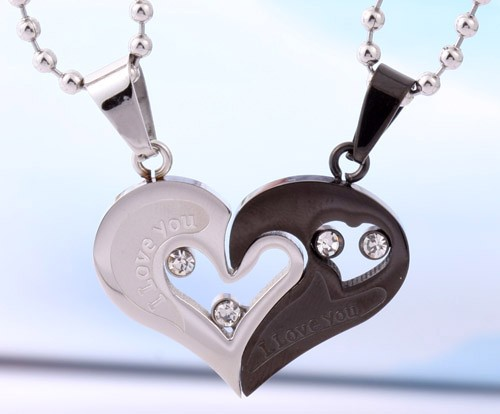 Personalized Name Engrave Gift For Valentine Titanium Couple Necklace Set - Matching Couple Necklaces - Couple Jewelry for 2 Personalized Couples Gifts | His Her Necklaces and Bracelets | Engraved Wedding Rings | Couples Clothing