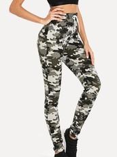 pants,girly,girl,girly wishlist,high waisted,high waisted pants,camo pants,camouflage,cute,white,joggers,joggers pants,joggers.