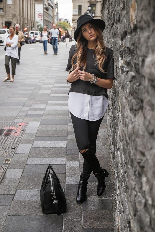 the boho flow blogger t-shirt bag white shirt black boots ripped
