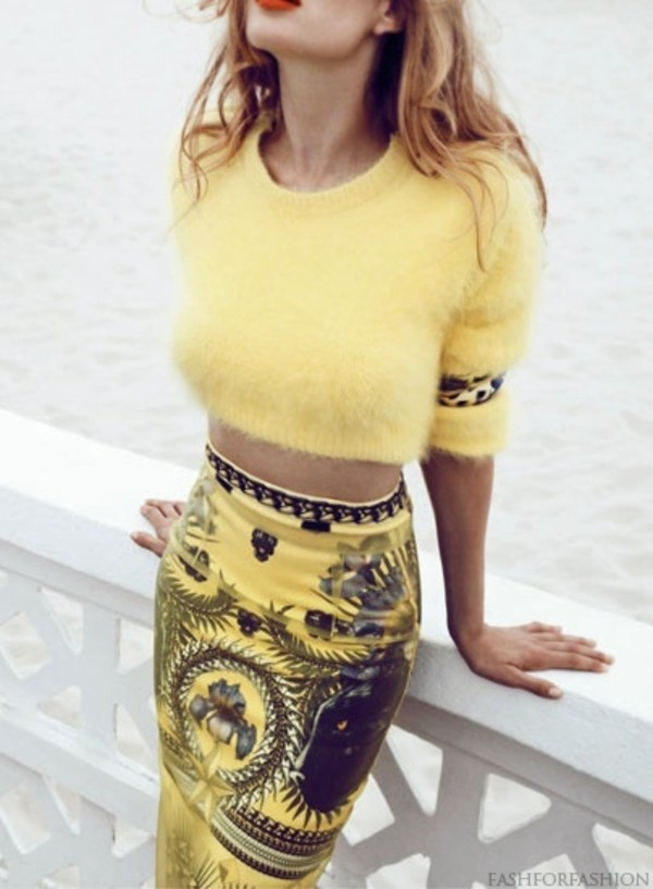 shirt skirt sweater matching set printed skirt yellow skirt bodycon skirt pencil skirt fuzzy sweater cropped jumper yellow top black matching top outfit yellow cropped sweater midi crop jumper yellow sweater short sweater