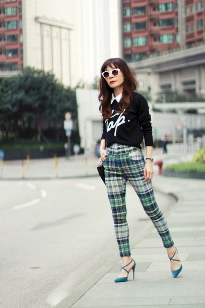 mochaccinoland blogger sweater pants sunglasses tartan t-shirt bag shoes