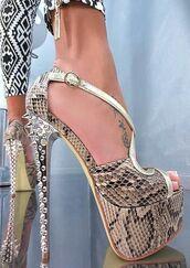 shoes,snake print,green,heels,snake skin,pumps,platform heels,high ankle boots,high heels
