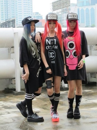 shirt t-shirt black streetstyle street goth tokyo shirt tokyo street streetwear streetlook street look high street style rad flatbill flat bill japanese japan japanese fashion kawaii hat shoes