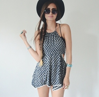 dress summer outfits sunglasses hat jewels summer dress printed dress black hats turquoise turquoise jewelry bracelets turquoise bracelet turquoise bracelets jewelry ring silver ring silver silver jewelry gold ring summer festival coachella