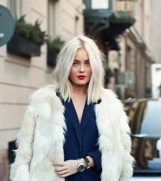hair accessory blonde hair hairstyles hair dye platinum hair red lipstick faux fur coat classy beautiful hair hair/makeup inspo