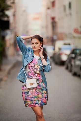 the bow-tie blogger mini bag floral skirt denim jacket