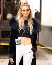 sunglasses,hun,velvet coat,yellow sunglasses,fashion week 2017,nyfw 2017,fashion week,streetstyle,chiara ferragni,top blogger lifestyle,coat,navy,navy coat,fur collar coat,velvet,sweater,cropped sweater,blue sweater,jeans,denim,white jeans,00s style
