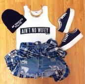 hat,black beanie,tank top,shirt,jewels,shorts,shoes