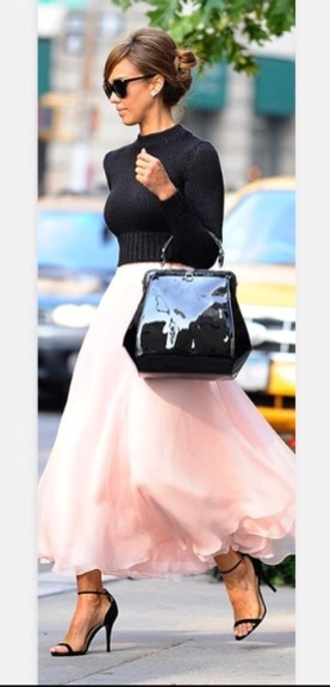 dress black jumper tea length skirt pleated skirt pink silk high heel sandals jessica alba