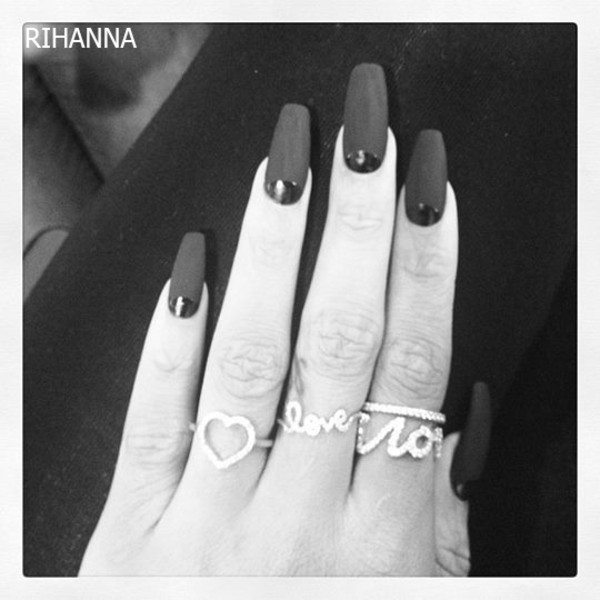 jewels rihanna nail polish