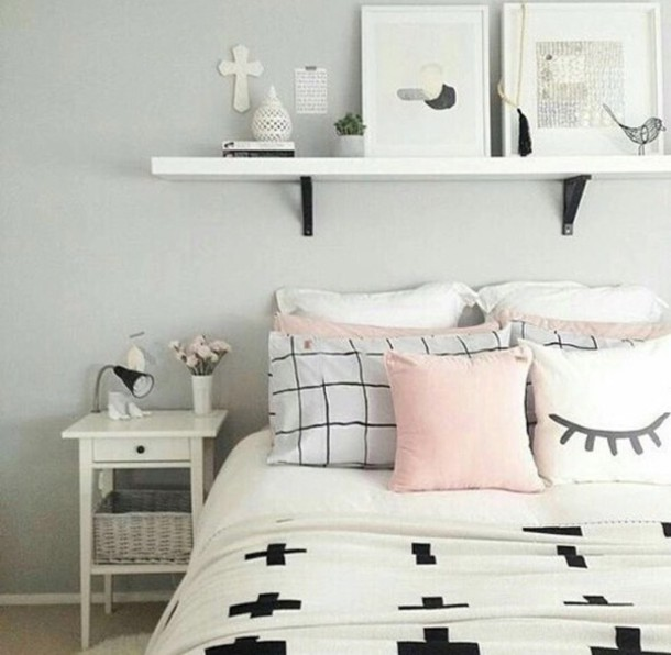 http://picture-cdn.wheretoget.it/gk2p0z-l-610x610-home+accessory-bedding-bedroom+pillows-nightstand-pillows-white-black-monochrome-light+pink-pale+pink-cute-love-bedroom-bedroom+decor-sheets-decor-items.jpg