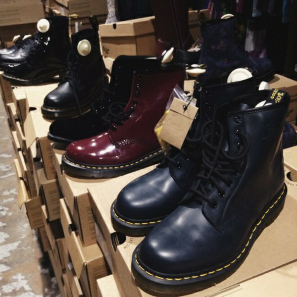 shoes black boots grunge hipster DrMartens