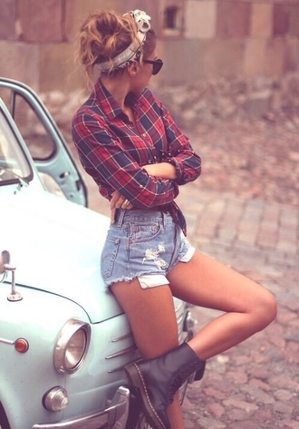 shorts shoes shirt fashion style hair accessories