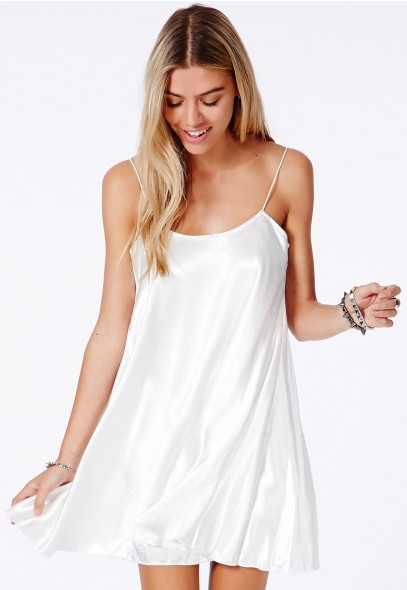 Meredith Silky Cami Swing Dress - Cami Dresses - Missguided