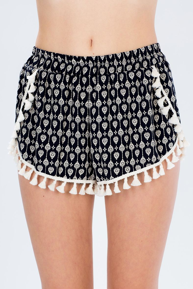 Plus Size Shorts & Capris Enjoy the warm weather in a great pair of plus size shorts or capris in a large variety of eye-catching styles, colors and sizes up to 6X. View All.