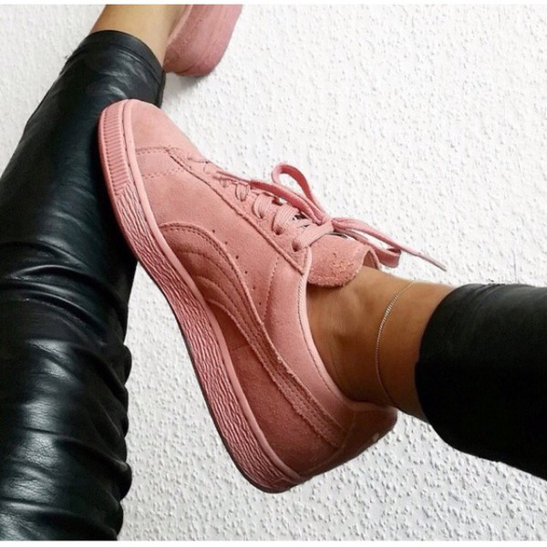 shoes puma pink sneakers puma suede suede girl. Black Bedroom Furniture Sets. Home Design Ideas