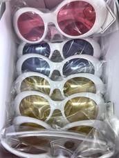 sunglasses,retro,round sunglasses,sunglasses kylie jenner,kylie jenner sunglasses,retro round sunglasses,hippie glasses,clear glasses,vintage glasses,style,fashion,shorts,shoes,jeans