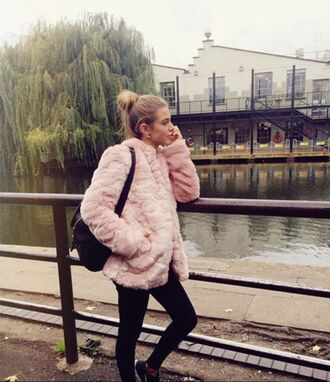 jacket pink cute supercute coat fur oversized oversize classy cold hot pretty amazing bold cool chic