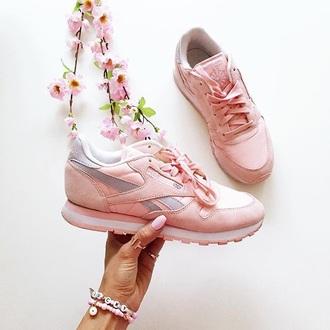 shoes sneakers reebok pink instagram tumblr