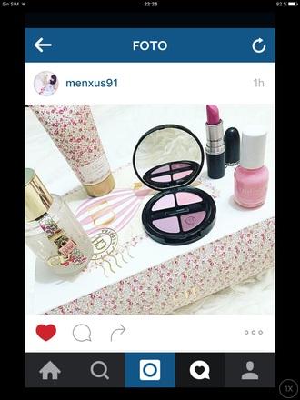 make-up pink chic carolina herera flowers gold cute preppy beautiful style cool mac cosmetics