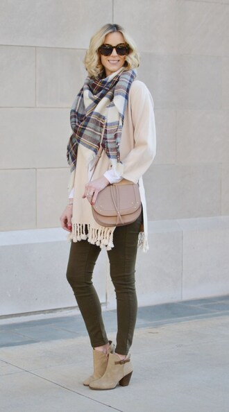 straight a style blogger shoes cardigan scarf jeans sunglasses bag tartan scarf shoulder bag ankle boots skinny jeans khaki pants