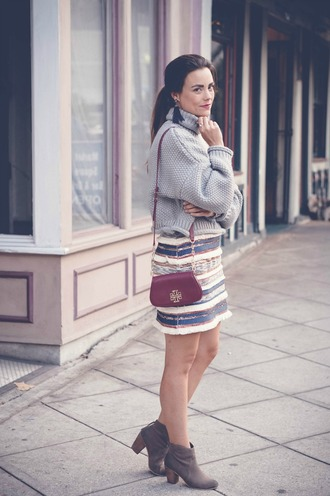 thestyledfox blogger sweater skirt jewels shoes grey sweater turtleneck sweater shoulder bag mini skirt ankle boots thanksgiving outfit stripes burgundy turtleneck