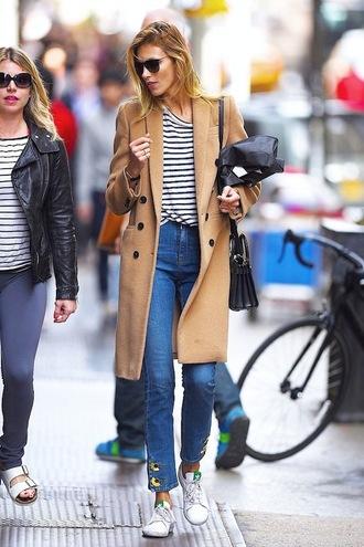 le fashion image blogger coat t-shirt bag jeans