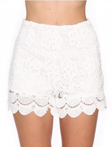 "Chic ""white crochet"" laces shorts – glamzelle"