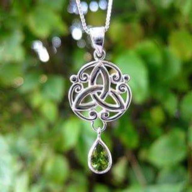 jewels peridot triquetra wiccan jewelry