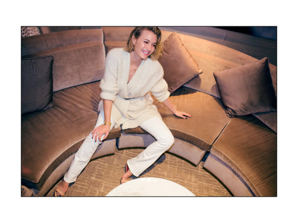 zanita blogger jumpsuit white pants knitted cardigan jeans cardigan shoes jewels
