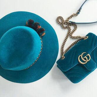 bag tumblr blue hat hat velvet blue bag gucci gucci bag chain bag