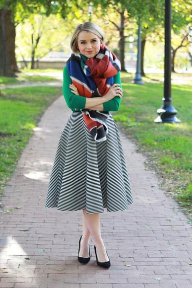 striped skirt jewels bag blogger flare skirt poor little it girl scarf blanket scarf midi skirt green fall outfits