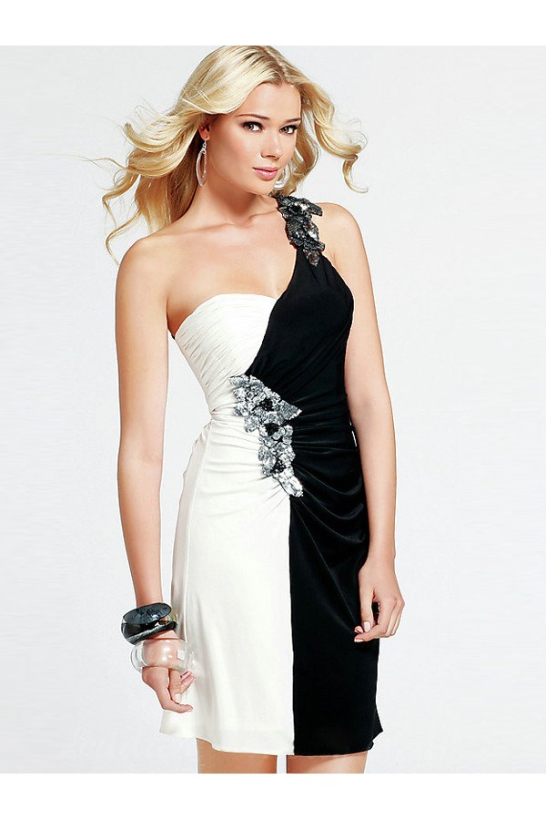 Sheath/Column One Shoulder Sleeveless Chiffon Cocktail Dress With Rhinestone