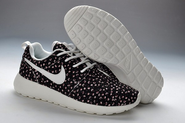shoes nike black white floral nike roshe run