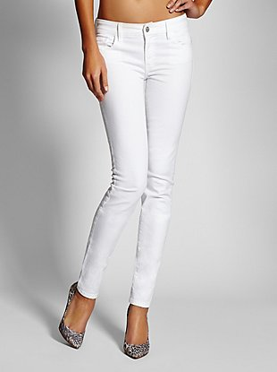 Sophia Mid-Rise Curvy Skinny Jeans in True White Wash at Guess