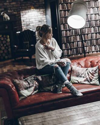 sweater tumblr white sweater oversized sweater oversized denim jeans blue jeans ripped jeans knitted socks socks home decor furniture home furniture