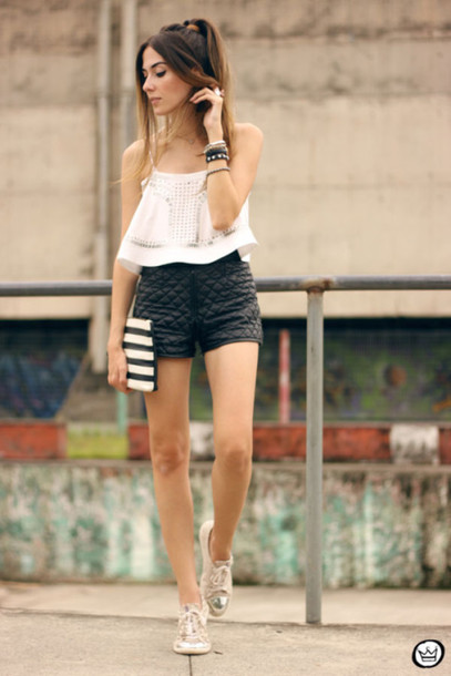 fashion coolture blogger top shorts bag jewels shoes