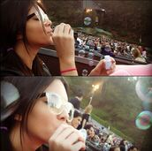 sunglasses,kendall jenner,keeping up with the kardashians,glasses,bubbles,instagram