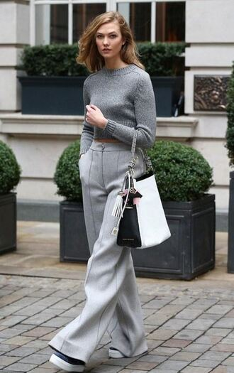 pants wide-leg pants grey sweater cropped sweater karlie kloss model off-duty streetstyle fashion week 2016 london fashion week 2016 shoes bag