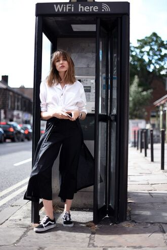pants tumblr black pants wide-leg pants shirt white shirt sneakers vans black sneakers culottes black culottes