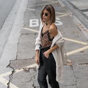 ms treinta,blogger,cardigan,pants,top,bag,shoes