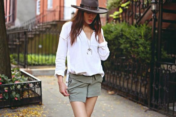 natalie off duty blogger jewels top bag