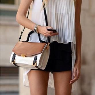 bag beige black gold pretty shoulder bag feminine