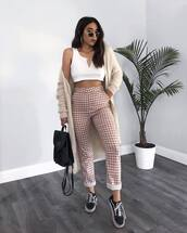 top,white crop tops,v neck,checkered pants,high waisted pants,sneakers,long cardigan,backpack,sunglasses