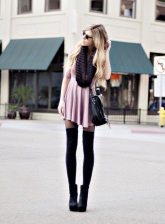 dress fall outfits dusty pink knee high socks black flowy loose dress baggy dress